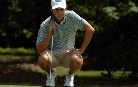 Men's Golf Swings into Action