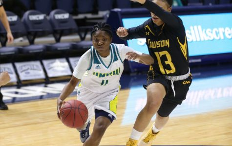 Reeves's game-winner lifts UNCW to 59-56 win over Towson