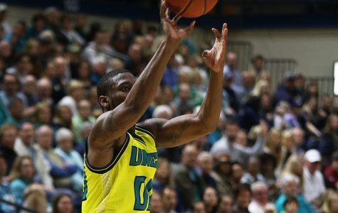 Seahawks 'Play UNCW basketball,' blow out Delaware 108-80