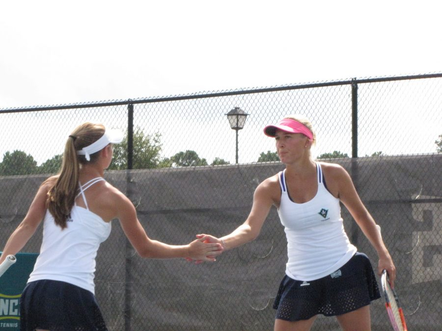 Alix Theodossiou (left) and Annika Sillanpaa