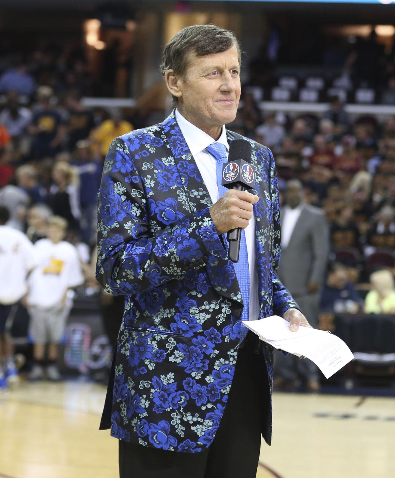 Reporter Craig Sager on the court before the Cleveland Cavaliers take on the Golden State Warriors in Game 6 of the NBA Finals on Thursday, June 16, 2016, at Quicken Loans Arena in Cleveland, Ohio. (Phil Masturzo/Akron Beacon Journal/TNS)