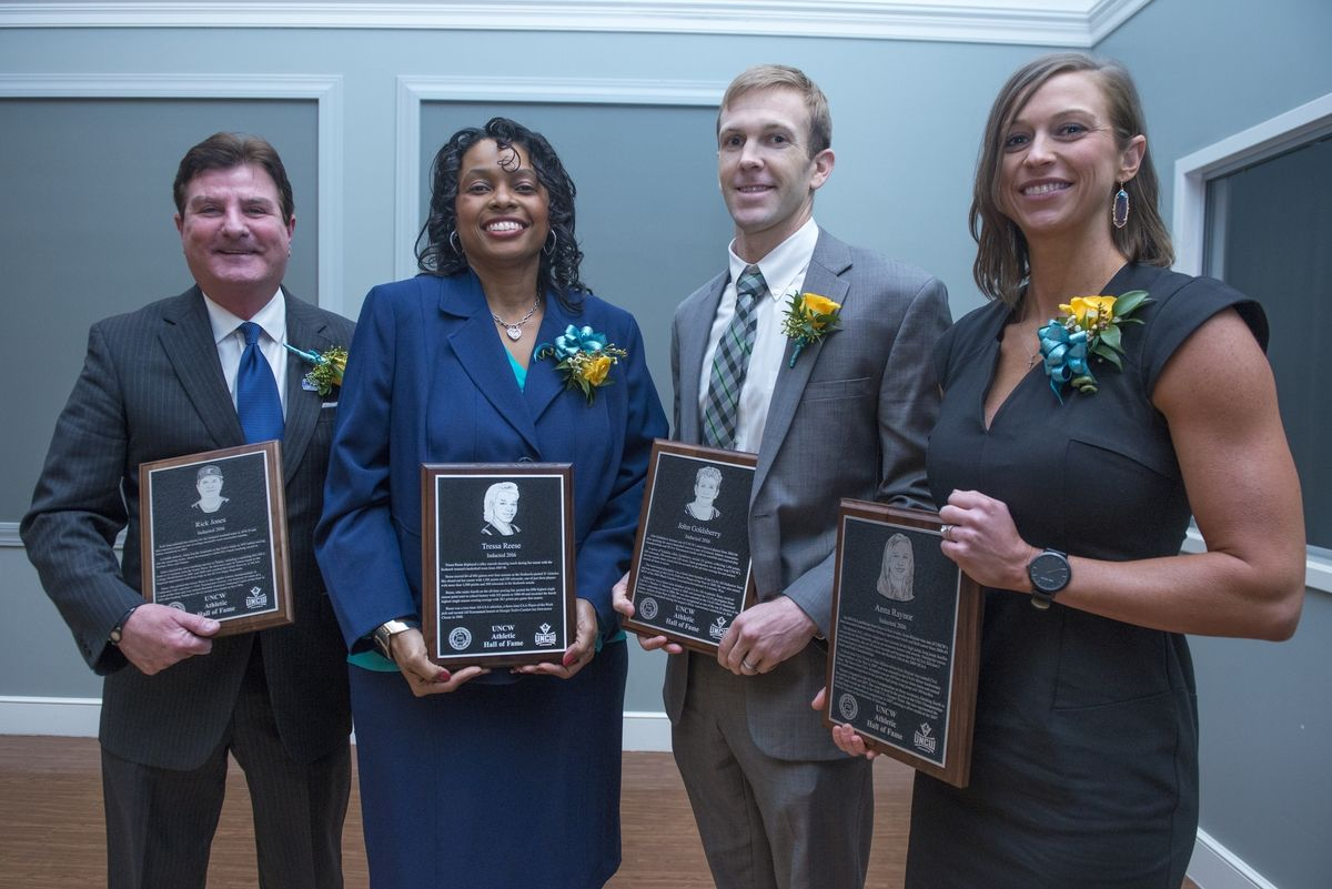 The+UNCW+Athletic+Hall+of+Fame+welcomed+four+new+members+to+its+elite+membership+%28from+left+to+right%29+Rick+Jones%2C+Tressa+McKeithan%2C+John+Goldsberry%2C+and+Anna+Marbry+on+Feb.+13%2C+2016%2C+at+the+Burney+Center.+