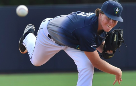 Reigning CAA Pitcher-of-the-Year Alex Royalty delivers a pitch in UNCW's 4-0 win over the Czech Republic national team on Wednesday, Oct. 11.