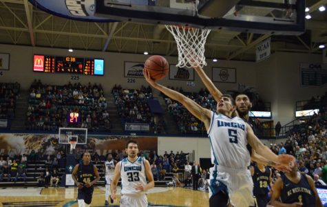 Preview: UNCW faces its first test on the road at Davidson