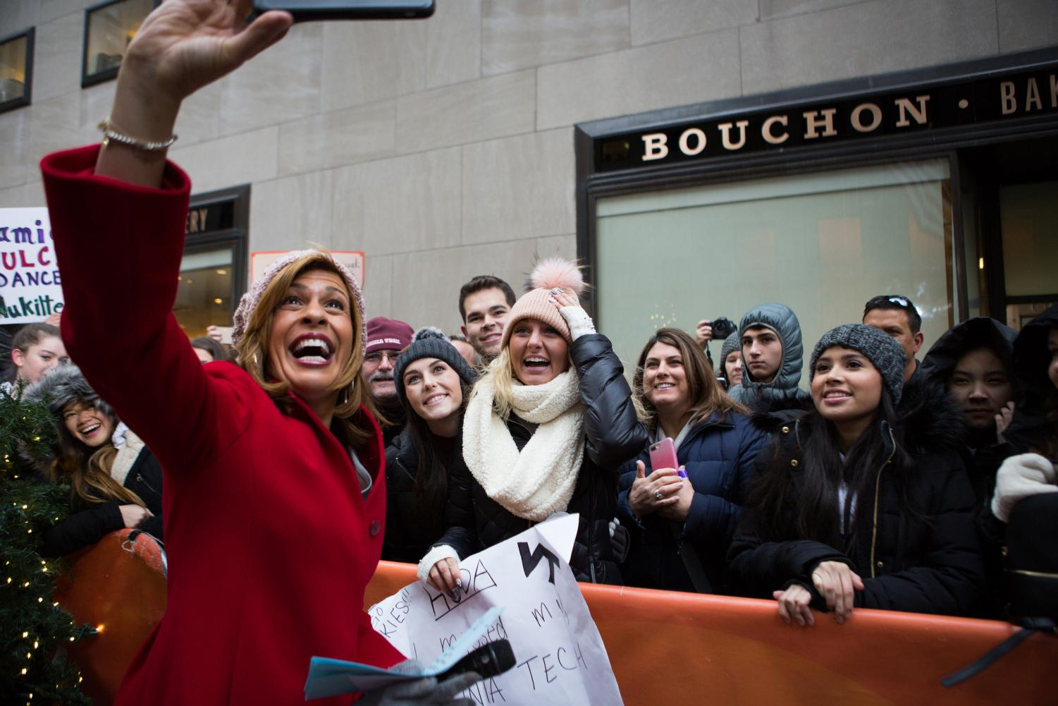 'Dream job': TODAY's Hoda Kotb celebrates first week as anchor