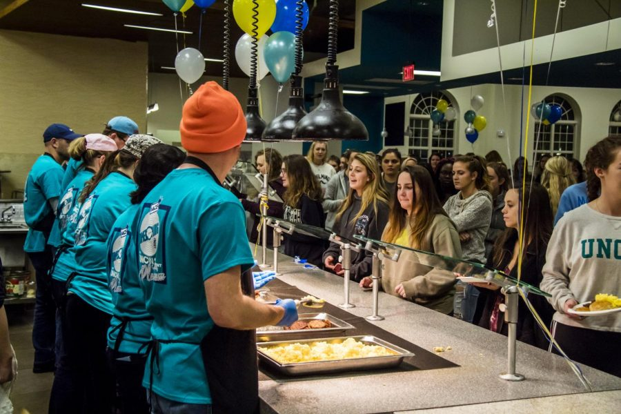Students+pumped+for+some+late+night+grub+at+Midnight+Breakfast