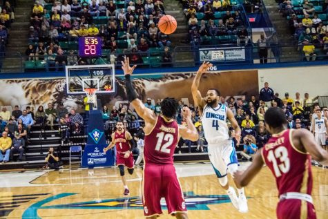 Charleston trio thumps UNCW on senior night, 88-74