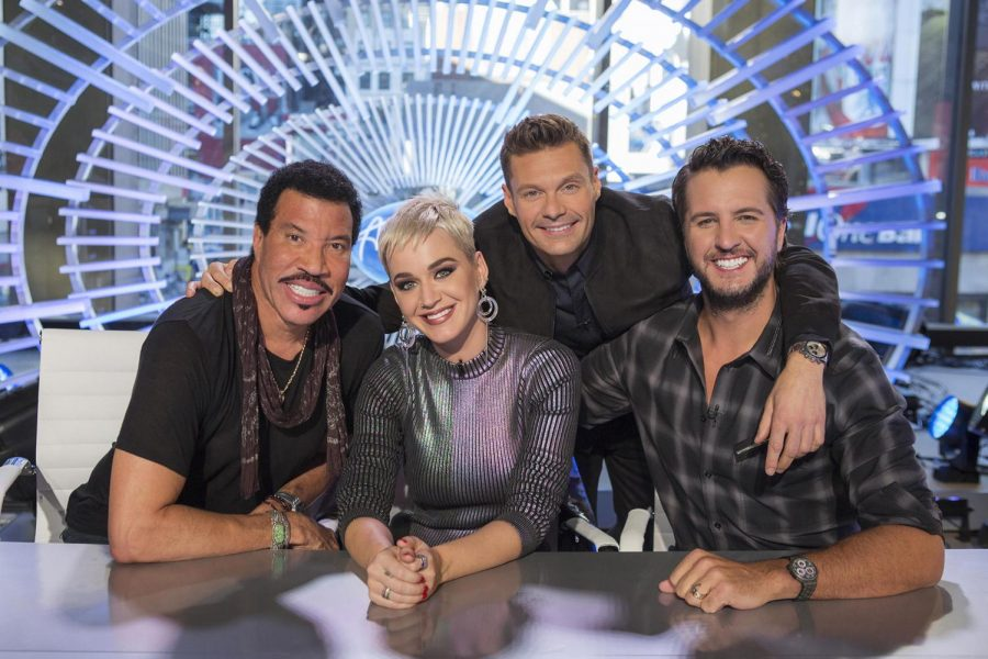 %22American+Idol%22+judges+Lionel+Richie%2C+Katy+Perry%2C+Luke+Bryan+and+host+Ryan+Seacrest+pose+for+a+photo.+%28Eric+Liebowitz%2FABC%29
