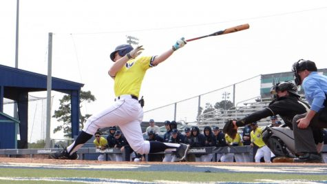 GALLERY: Meadows walkoff lifts UNCW to a win