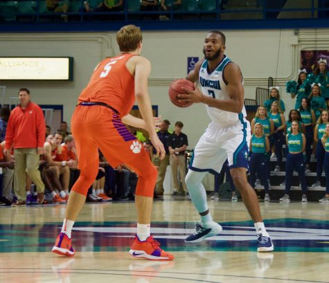 Seahawks stay undefeated at home, this time with an 89-63 win over NCCU