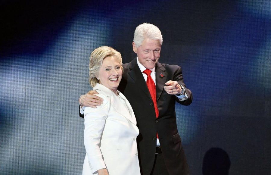 Hillary+Clinton+arm+and+arm+with+husband+and+former+President+Bill++Clinton.+