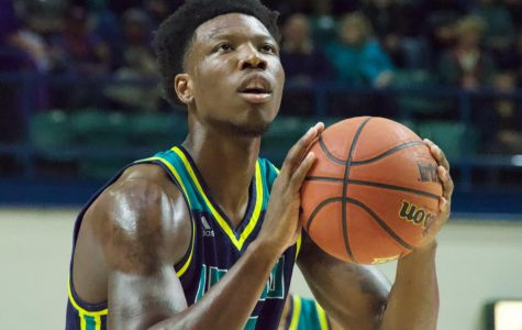 Seahawks drop close game to Davidson