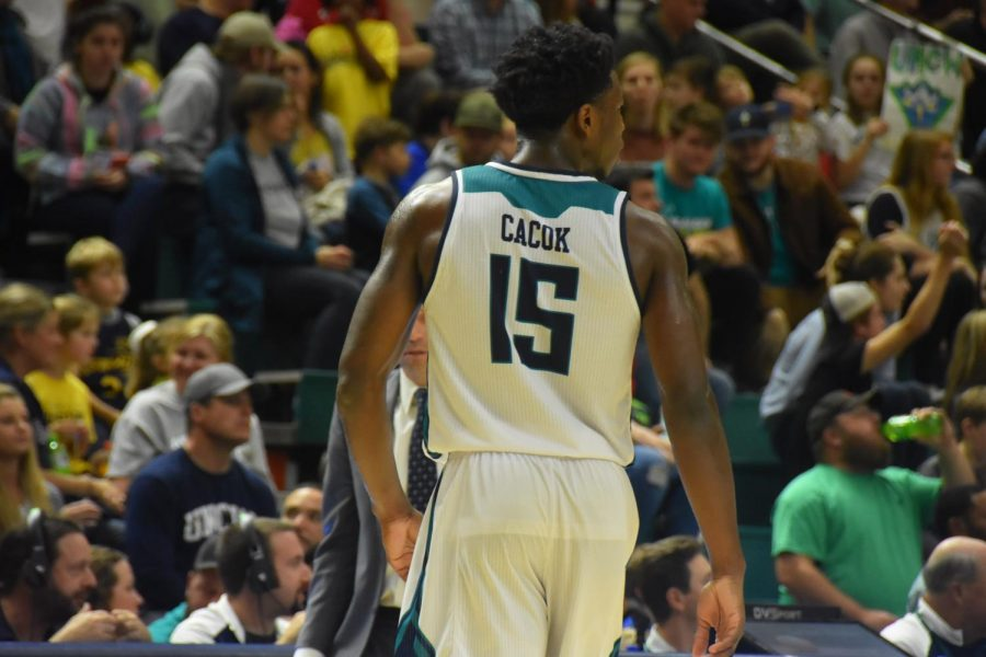 Devontae+Cacok+%2815%29+during+UNCW%27s+conference+opener+against+College+of+Charleston+on+Dec.+29%2C+2018.+