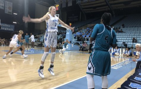 Women's basketball can't recover from early deficit