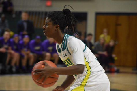 Shrita Parker (4) during UNCW