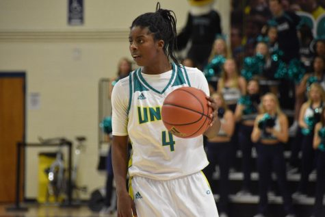 Shrita Parker (4) during UNCW's matchup with James Madison on Jan. 18, 2019.