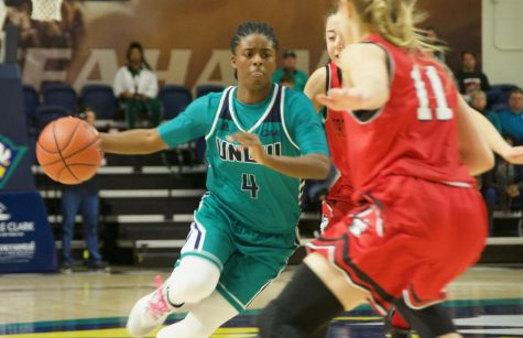 Shrita Parker (4) during UNCW's contest against Northeastern on Feb. 3, 2019.