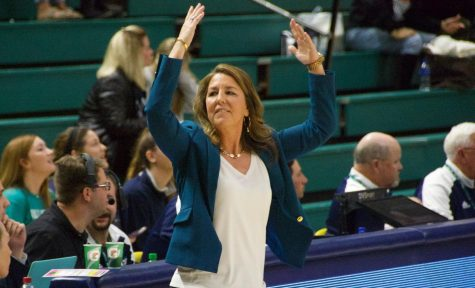 UNCW head coach Karen Barefoot during the Seahawks' contest against Northeastern on Feb. 3, 2019.