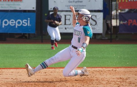 Gallery: UNCW softball breezes past Bison in home opener