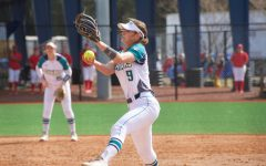 Softball sweeps doubleheader against Canisius