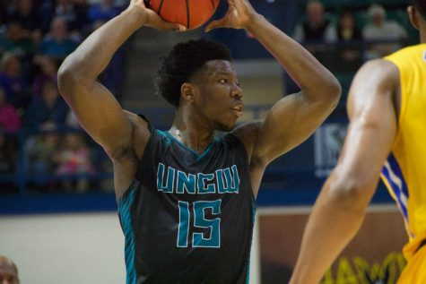 Devontae Cacok (15) during UNCW's Senior Night matchup with Hofstra on Feb. 16, 2019.
