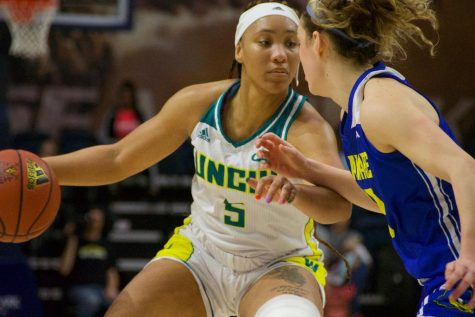 Women's basketball use free throws, defense to hold off Tribe