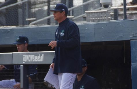 UNCW fends off Hofstra to remain unbeaten in CAA