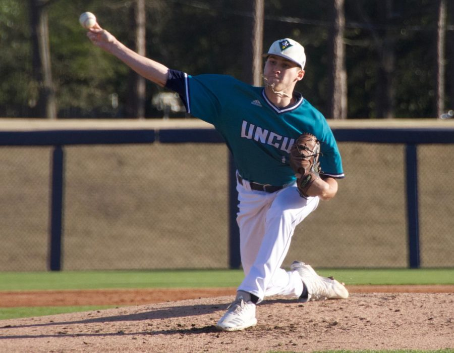 Landen+Roupp+%2814%29+pitches+during+UNCW%27s+matchup+against+Toledo+on+Wednesday+night+at+Brooks+Field.+