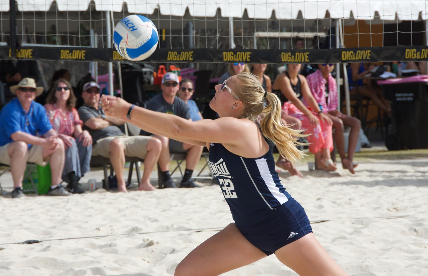 Elena Turnbull (32) during the Seahawks' matchup against Tusculum in the UNCW Dig & Dive Beach Classic on March 24, 2019.