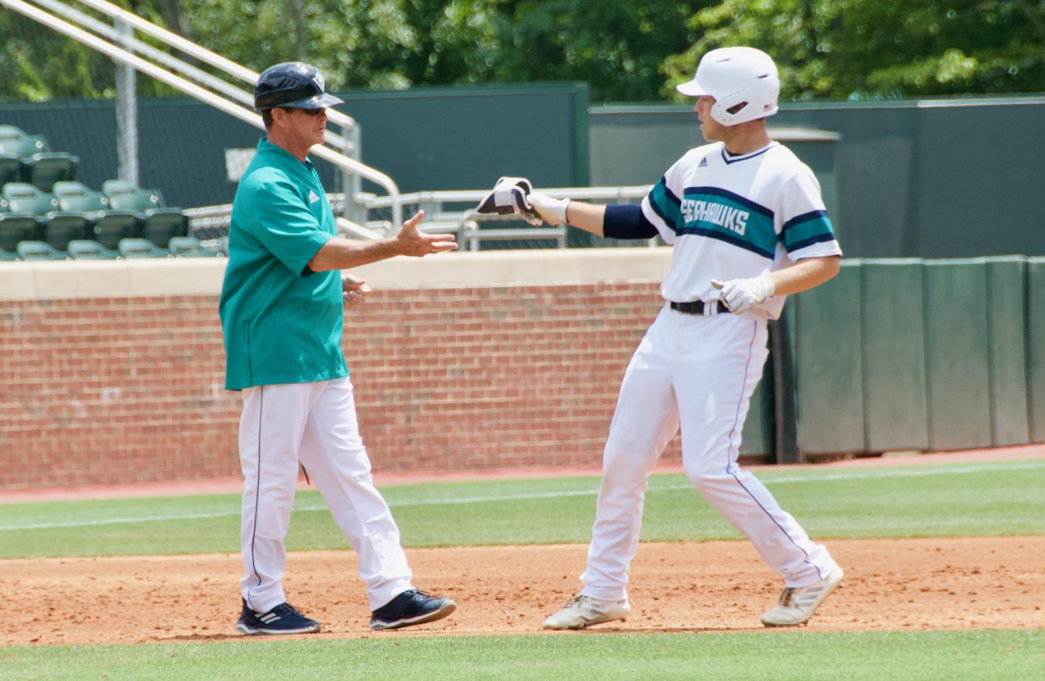 Gallery: UNCW battles Tennessee in win-or-go-home game – The