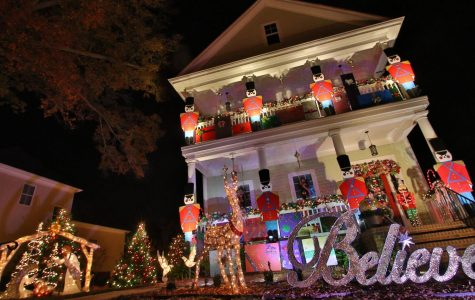 SeaSquawks: When do you put up Christmas decorations? UNCW speaks