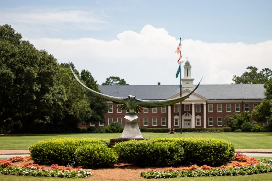 The+Seahawk+statue+on+UNCW+campus.
