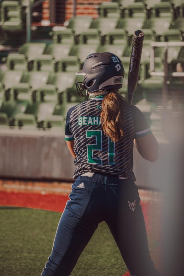 Jentri+Meadows+during+UNCW%27s+intrasquad+scrimmage+at+Boseman+Field.