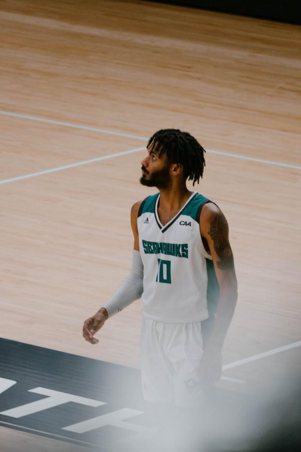 Jahmari Harvey during UNCW's matchup vs St. Andrews on Dec. 9, 2020.