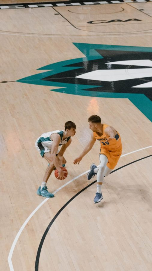 Jake Boggs in UNCW's matchup with Hofstra on Jan. 30, 2021