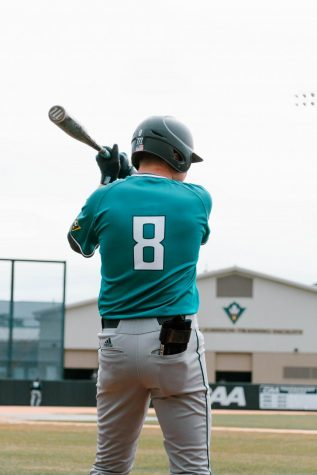 UNCW takes series against WCU