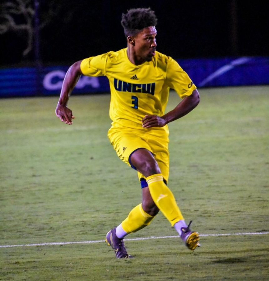 Jamil Garcia during UNCW's soccer match