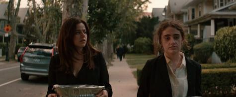 Molly Gordon and Rachel Sennott in Shiva Baby (2020).