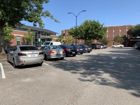 Parking at UNCWs The Hub.