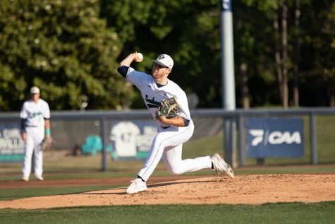 Landen Roupp pitching for UNCW baseball at Brooks Field